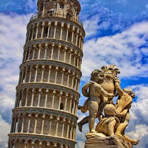 Enjoy A Lucca and Pisa Tour-the leaning tower of Pisa