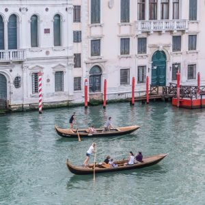 gondolier. learn to ride a gondola