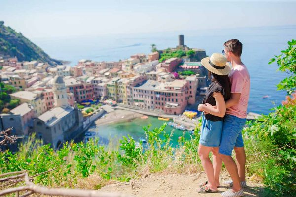 couple in Cinque Terre day trip