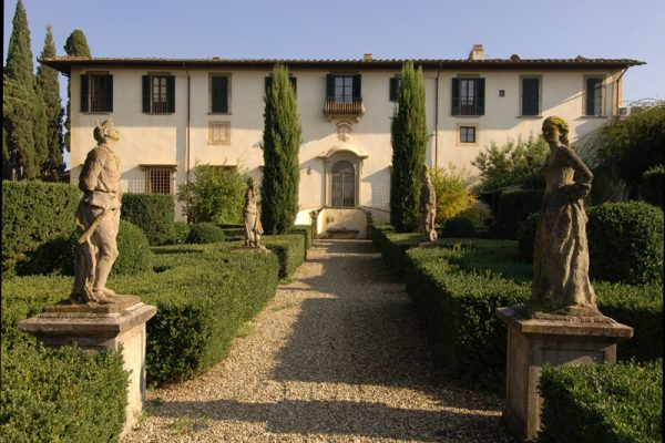 Tuscany escape experience wine tour
